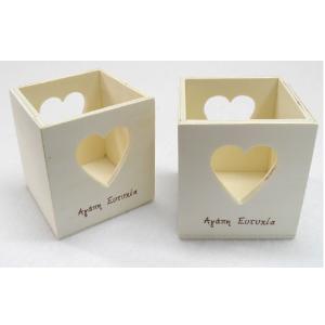 Ξύλινο κουτί για ρεσώ με καρδιές 7x7x7cm