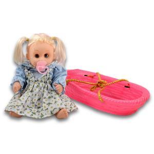 Μωρό σε καλάθι κούκλα