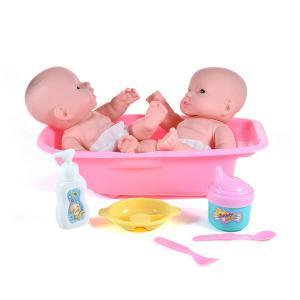 Μωρά σε μπανιέρα με αξεσουάρ παιχνίδι