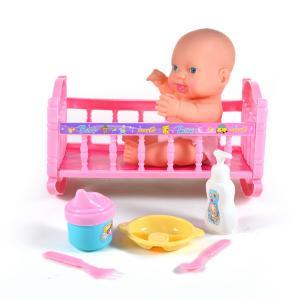 Μωρό σε κρεβατάκι κούνια  με αξεσουάρ