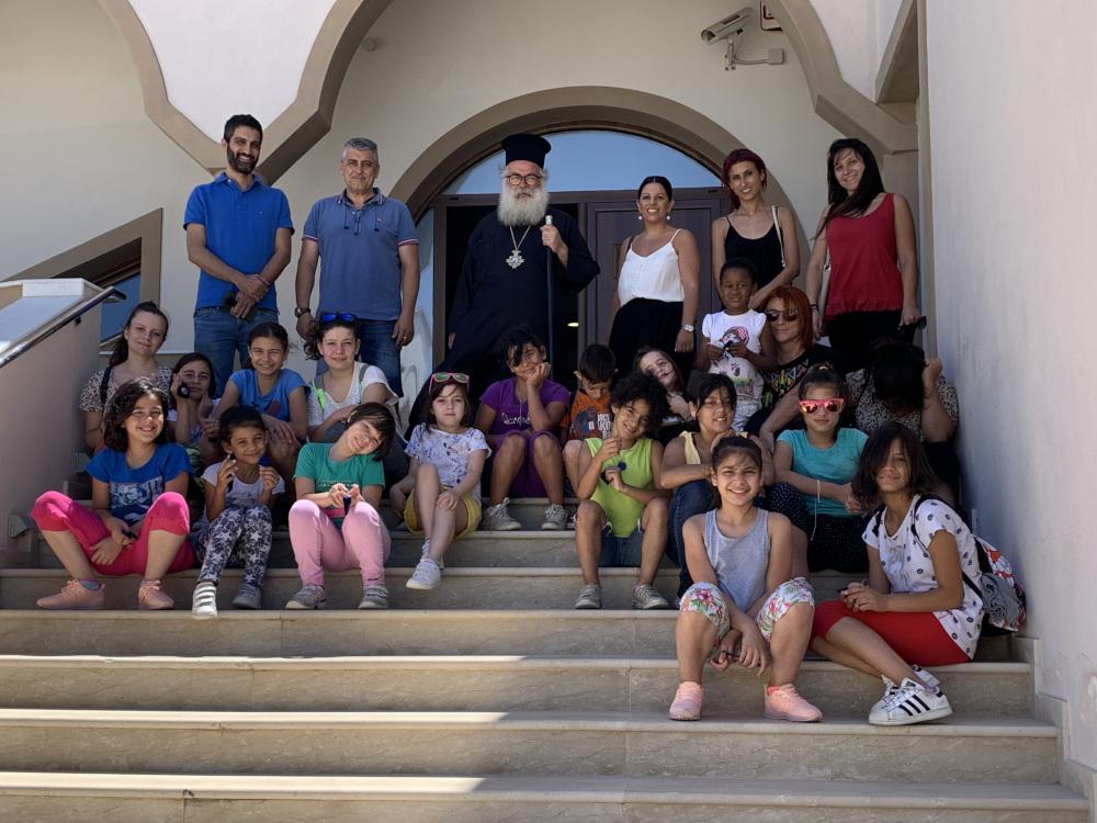 Παιδιά από την «Κιβωτό του Κόσμου» επισκέφθηκαν τον Σεβ. Μητροπολίτη Ιεραπύτνης και Σητείας κ. Κύριλλο