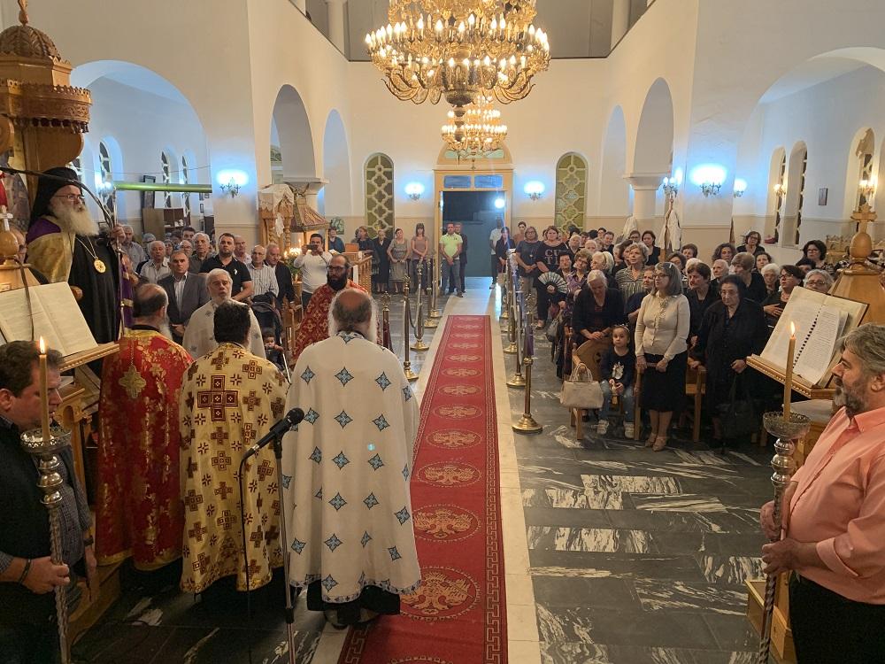 Με λαμπρότητα ο Αρχιερατικός Εσπερινός στον πανηγυρίζοντα Ιερό Ναό Αγ. Mηνά Βαϊνιάς Ιεράπετρας