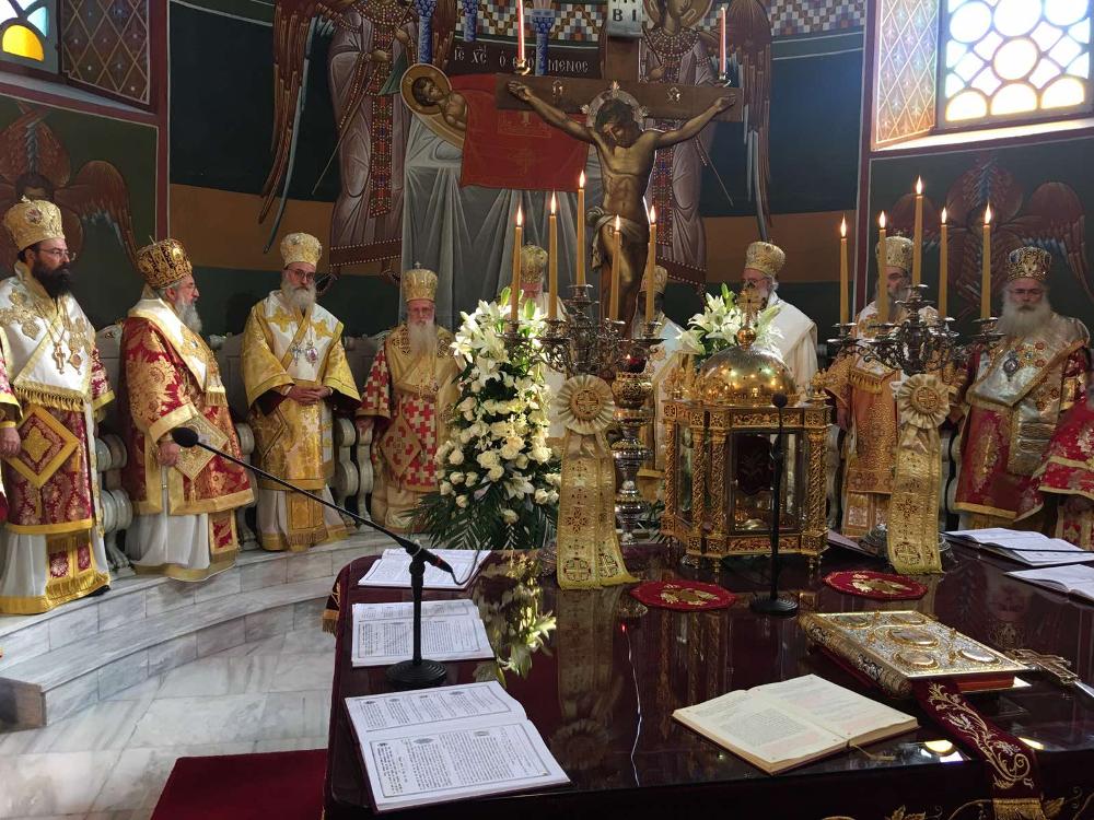 Ο Σεβ. Μητροπολίτης Κύριλλος μετείχε στη Συνοδική Λειτουργία για την πανήγυρη του πολιούχου και προστάτου της πόλεως του Ηρακλείου Αγίου Μηνά