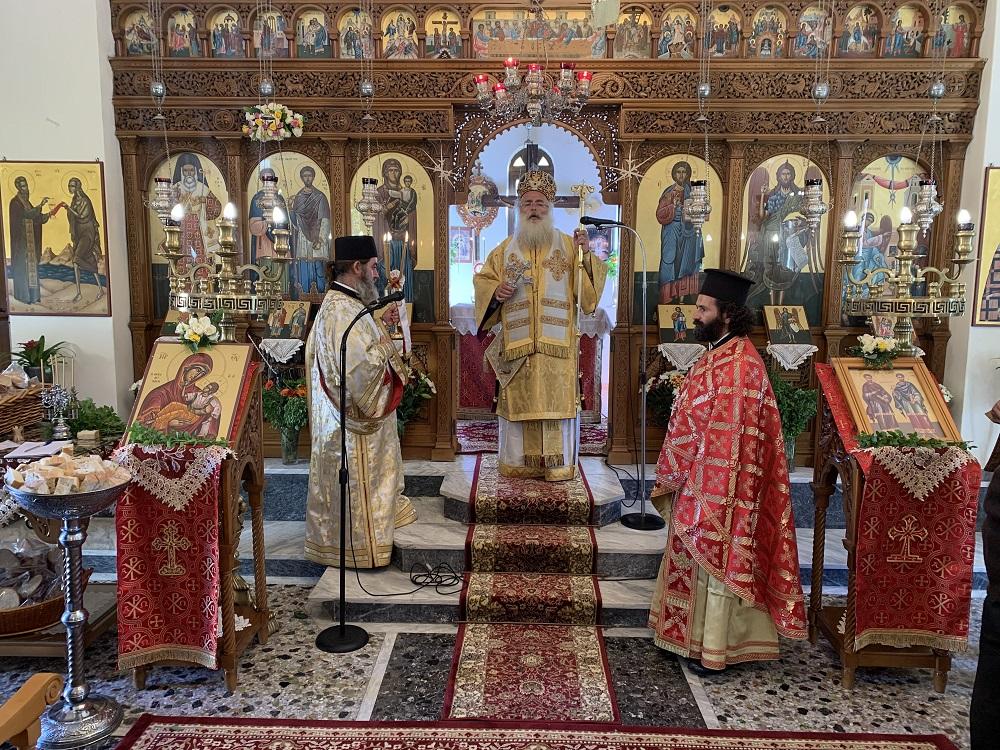Αρχιερατική Θεία Λειτουργία στον πανηγυρίζοντα Ιερό Ναό Αγίων Αναργύρων Μύρτου Ιεράπετρας.