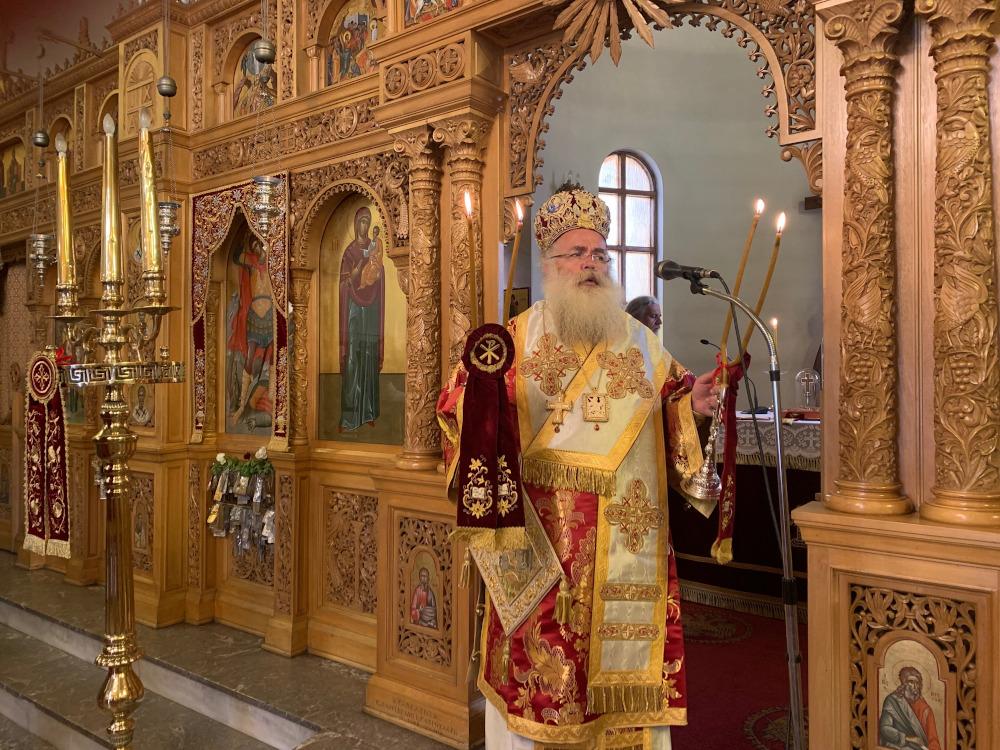 Αρχιερατική Θεία Λειτρουργία στον πανηγυρίζοντα Ιερό Ναό Αγίου Γεωργίου πόλεως Σητείας.