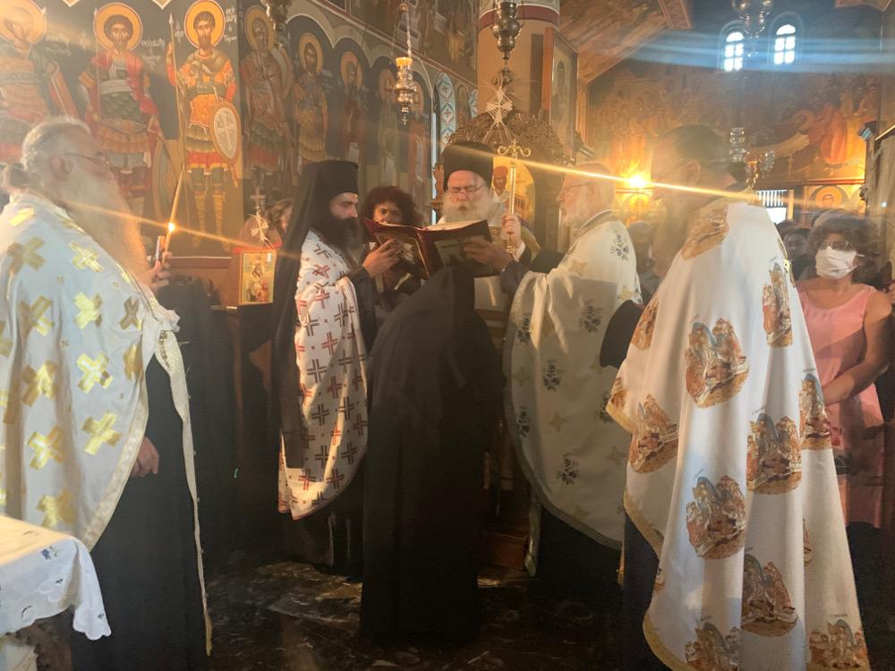 Kουρά Μεγαλόσχημης Μοναχής στο Ιερό Ησυχαστήριο Άξιον Εστί Ιεράπετρας.