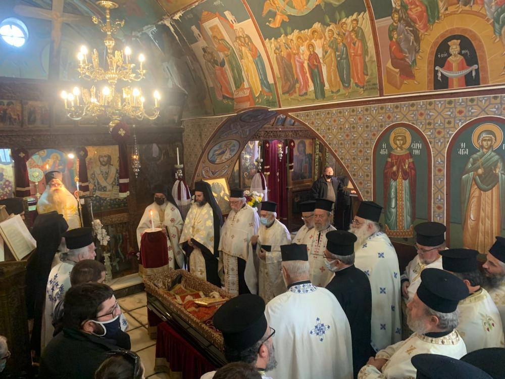Η Εξόδιος Ακολουθία του μακαριστού Ιερέως Πρωτ. Μιχαήλ Πετράκη στον Ιερό Ναό Μεταμορφώσεως Σωτήρος πόλεως Ιεράπετρας