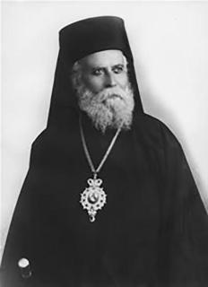 Τρισαρχιερατική Θεία Λειτουργία και Ιερόν Μνημόσυνον Μητροπολίτου Κρήτης Τιμοθέου Βενέρη.