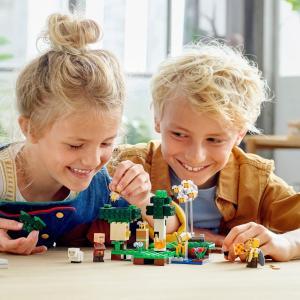 Lego Minecraft The Bee Farm (LE21165)